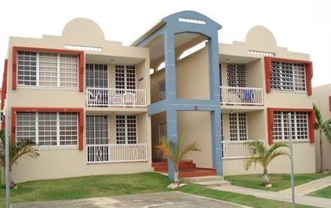 4466 Montones Beach Apts Complex Front View