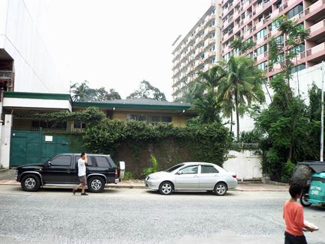 Panay Avenue Commercial Lot for Sale
