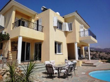 1-Peyia-villa-for-sale
