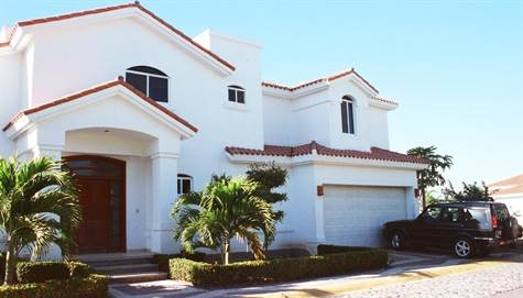 Front of Home - Frente