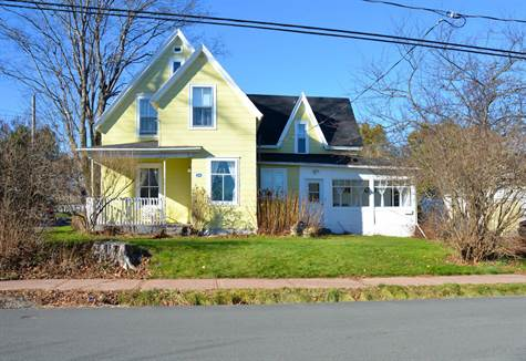 34 Squire St. Sackville 001