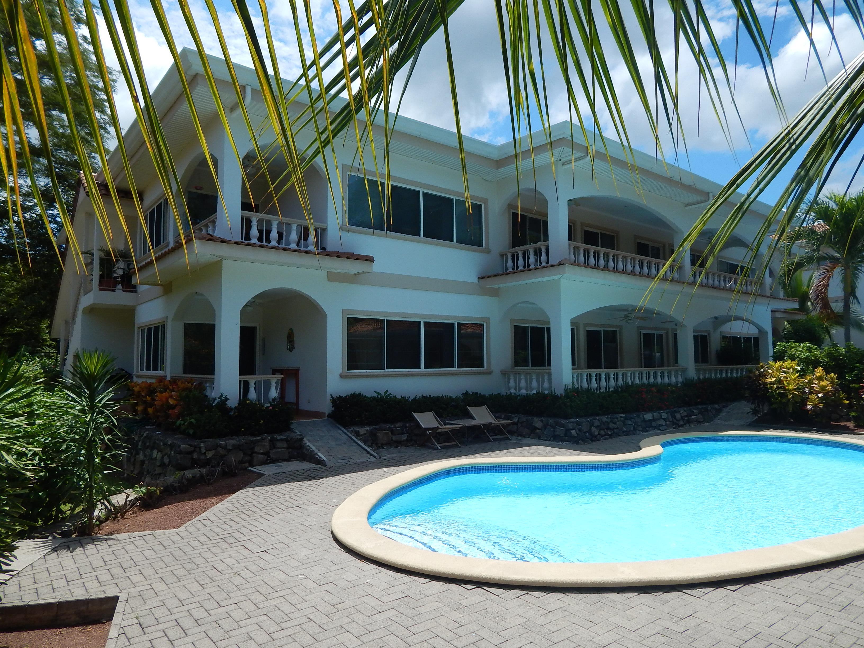 Costa Rica condo pool