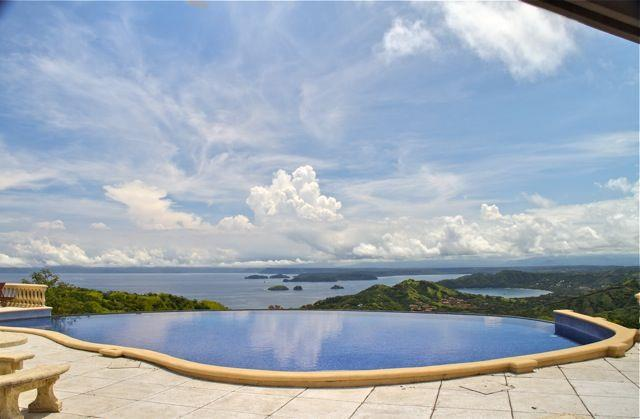 Infinity edge pool in Lomas del Mar Costa Rica