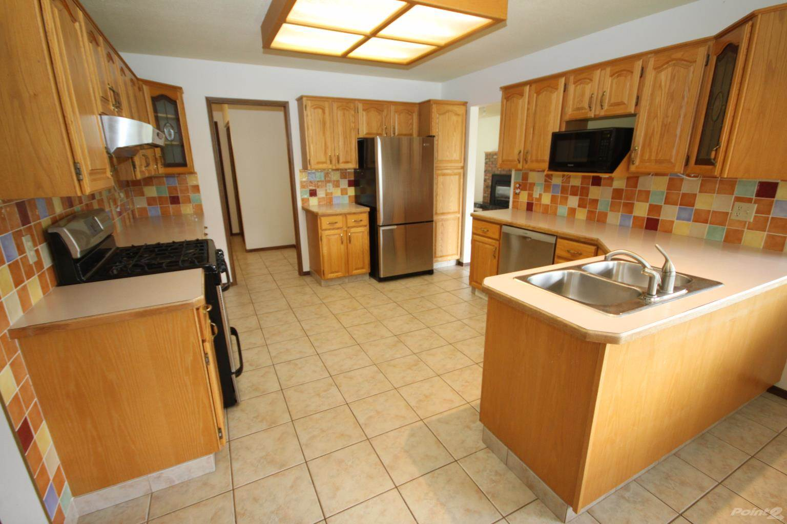 6617 Mountainview Drive, Oliver House For Sale