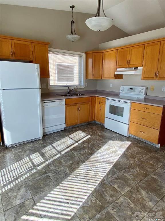 3274 Renfrew Crescent in Regina - Condo For Sale : MLS# sk842837 Photo 8