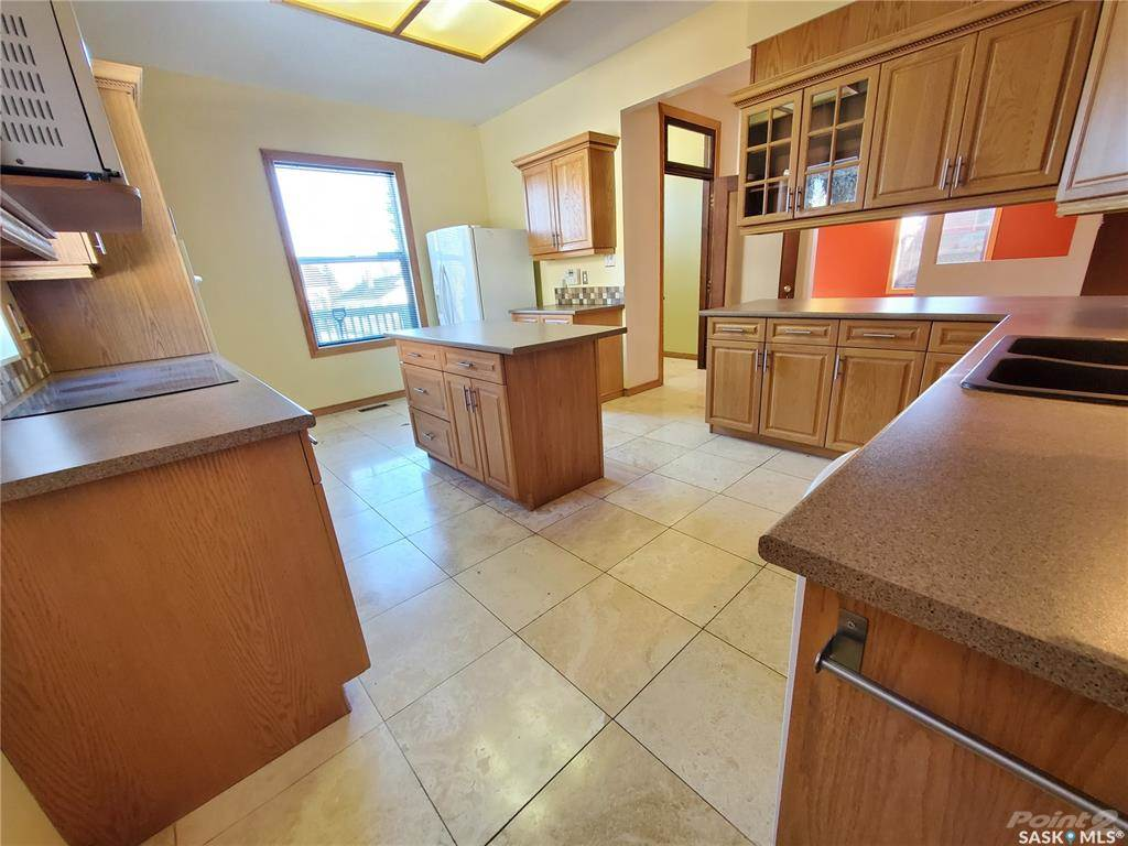 536 Central Avenue N in Swift Current - House For Sale : MLS# sk842770 Photo 5