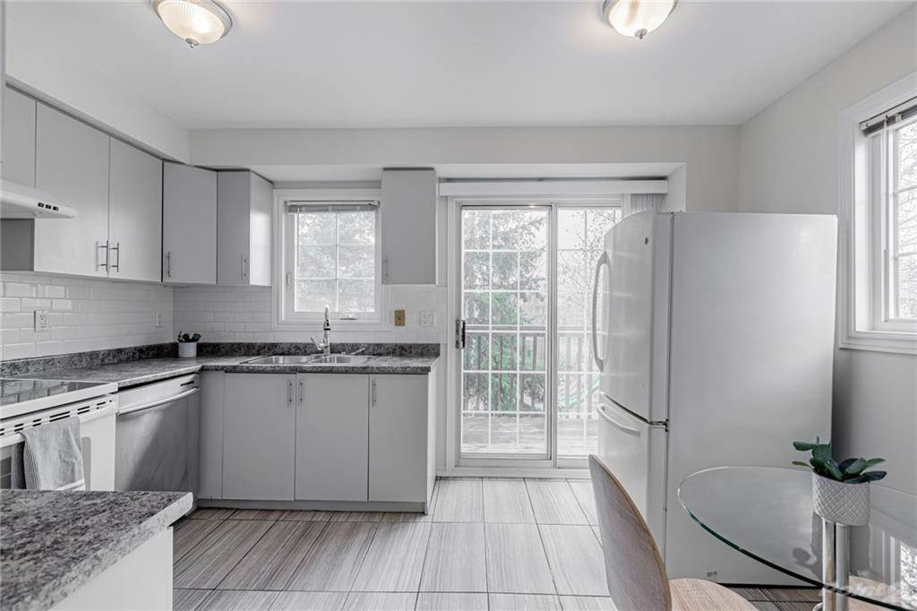 6950 Tenth Line W in Mississauga - Condo For Sale : MLS# h4099893 Photo 10