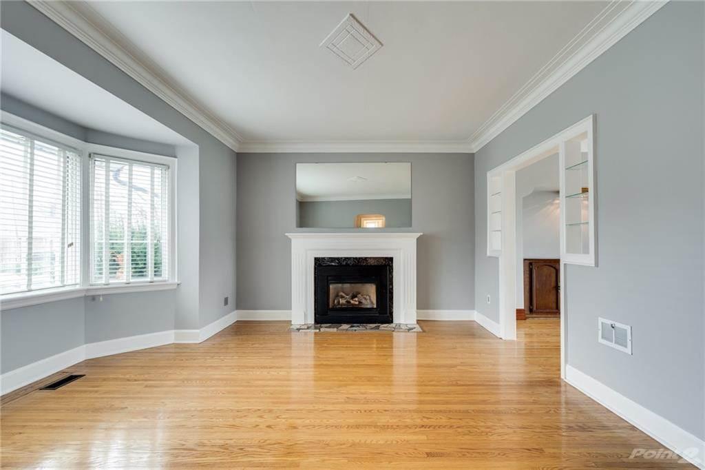 145 King Street E, Stoney Creek House For Sale