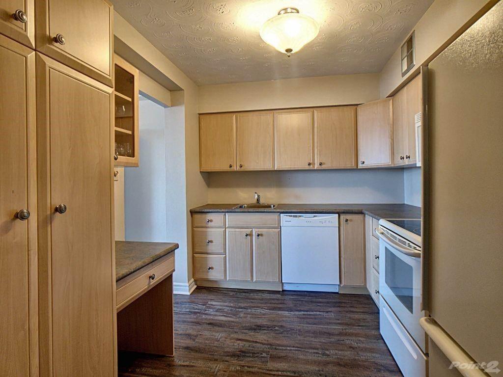 40 Harrisford Street in Hamilton - Condo For Sale : MLS# h4101340 Photo 5
