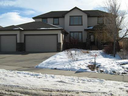 143 Canyoncrest Point West Lethbridge Alberta $780,000