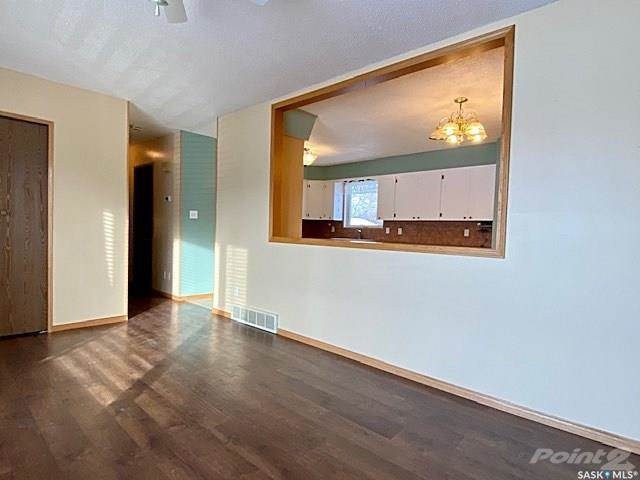 487 Steele Crescent in Swift Current - House For Sale : MLS# sk833945 Photo 2