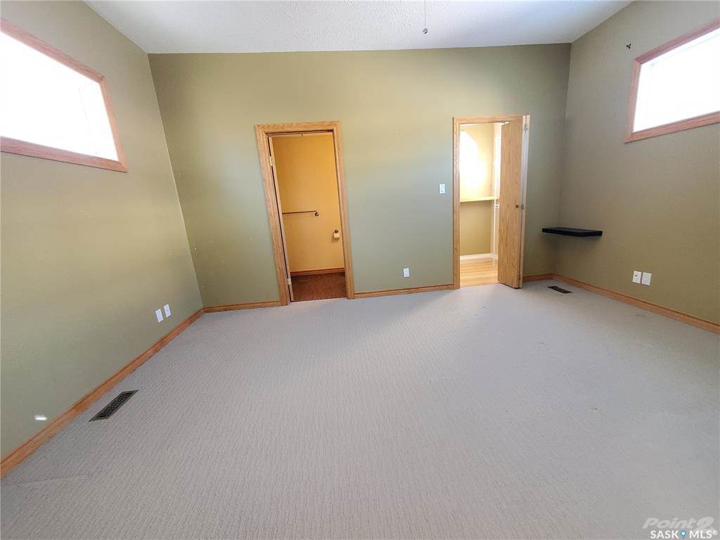 536 Central Avenue N in Swift Current - House For Sale : MLS# sk842770 Photo 16