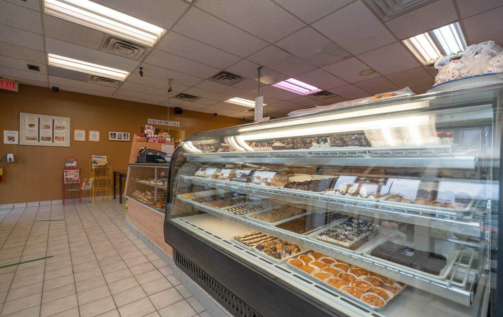 4 Mclaughlin Rd S in Brampton - Commercial For Sale : MLS# w5140894 Photo 2