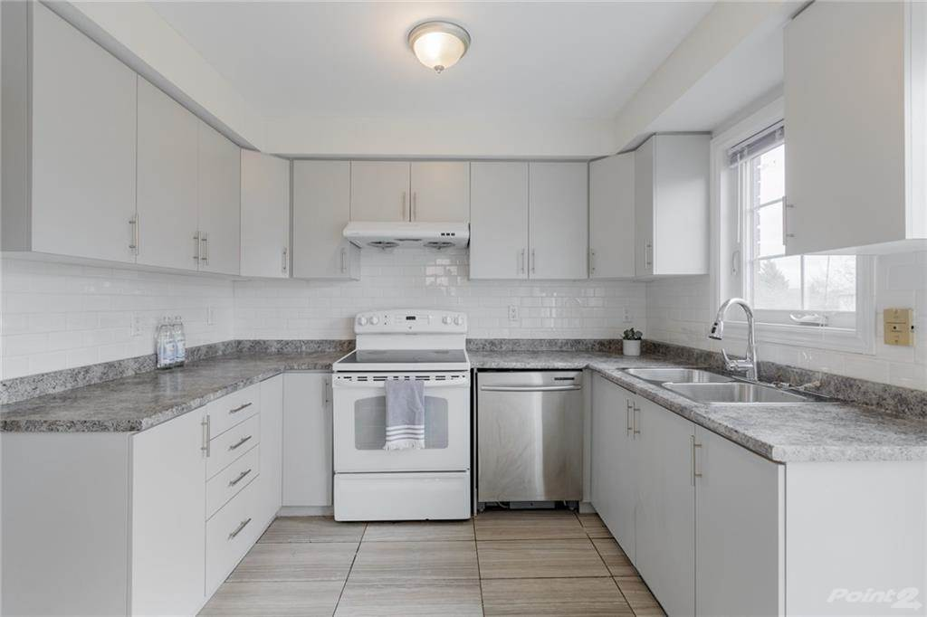 6950 Tenth Line W in Mississauga - Condo For Sale : MLS# h4099893 Photo 11