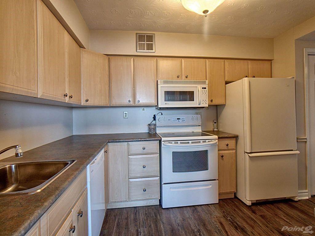 40 Harrisford Street in Hamilton - Condo For Sale : MLS# h4101340 Photo 6