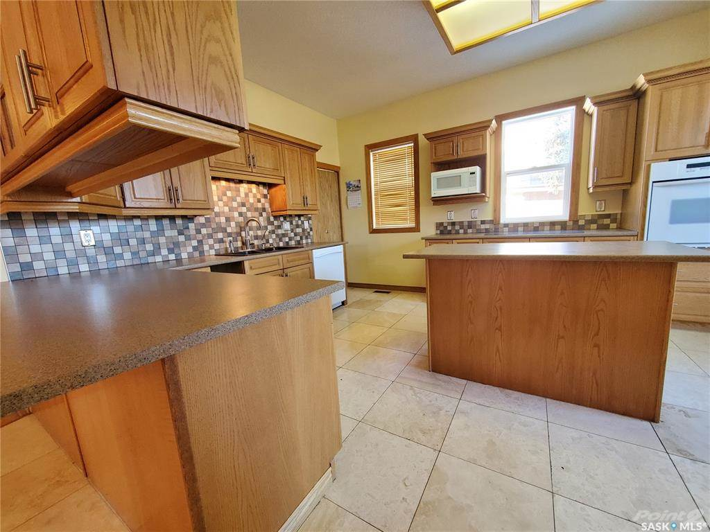 536 Central Avenue N in Swift Current - House For Sale : MLS# sk842770 Photo 2