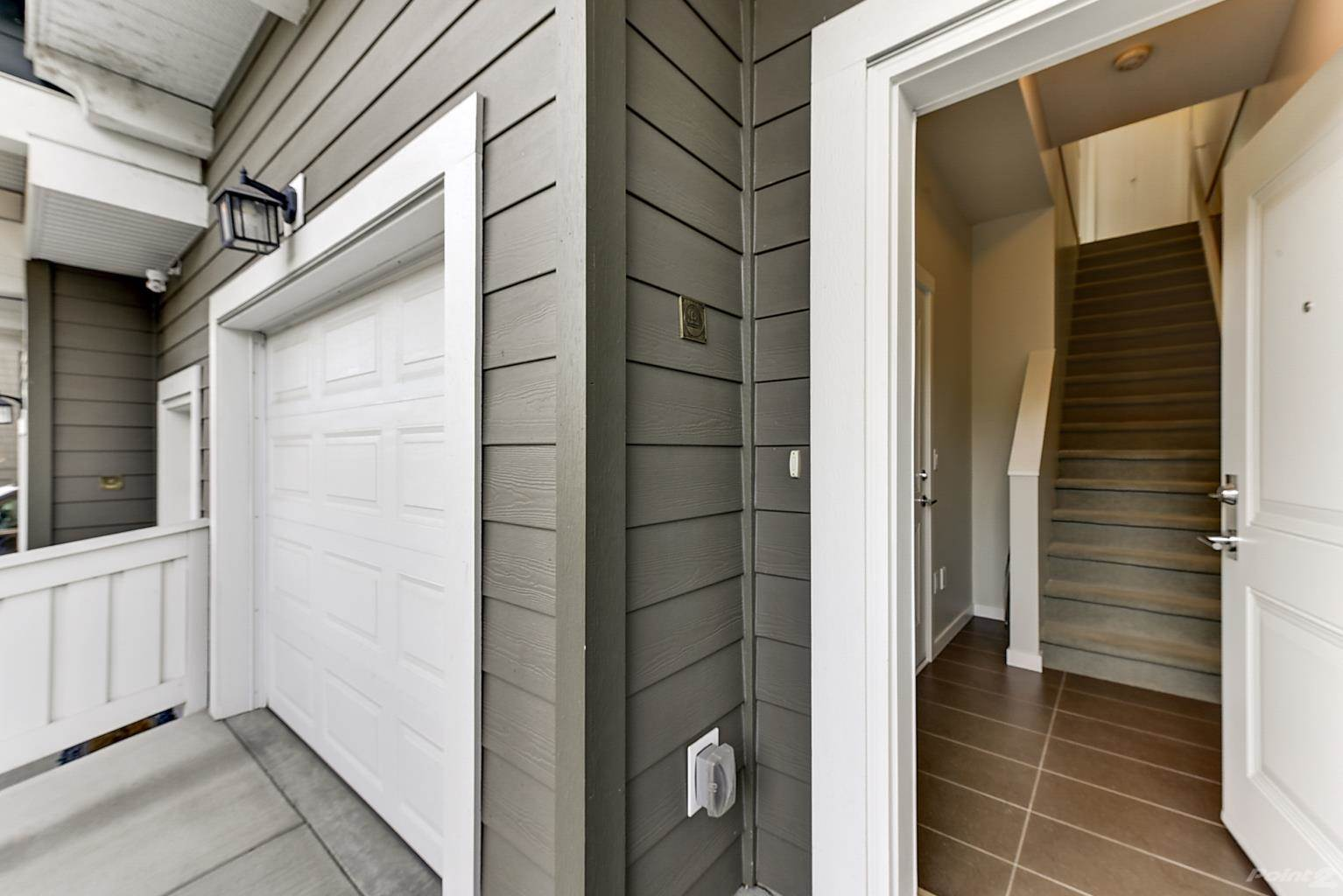 625 Boynton Place in Kelowna - Multifamily For Sale : MLS# 10221871 Photo 4