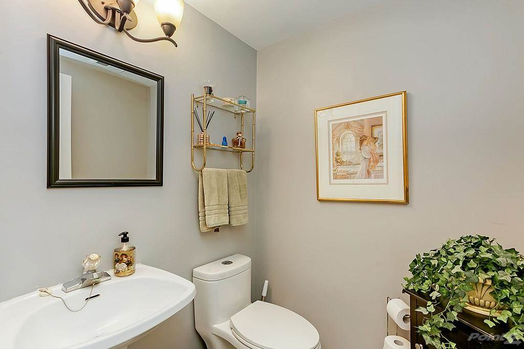 415 Locust Street in Burlington - Condo For Sale : MLS# h4098223 Photo 7