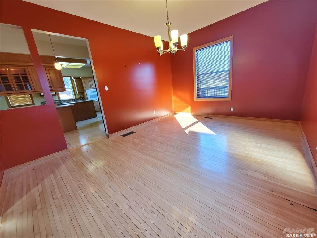 536 Central Avenue N in Swift Current - House For Sale : MLS# sk842770 Photo 8