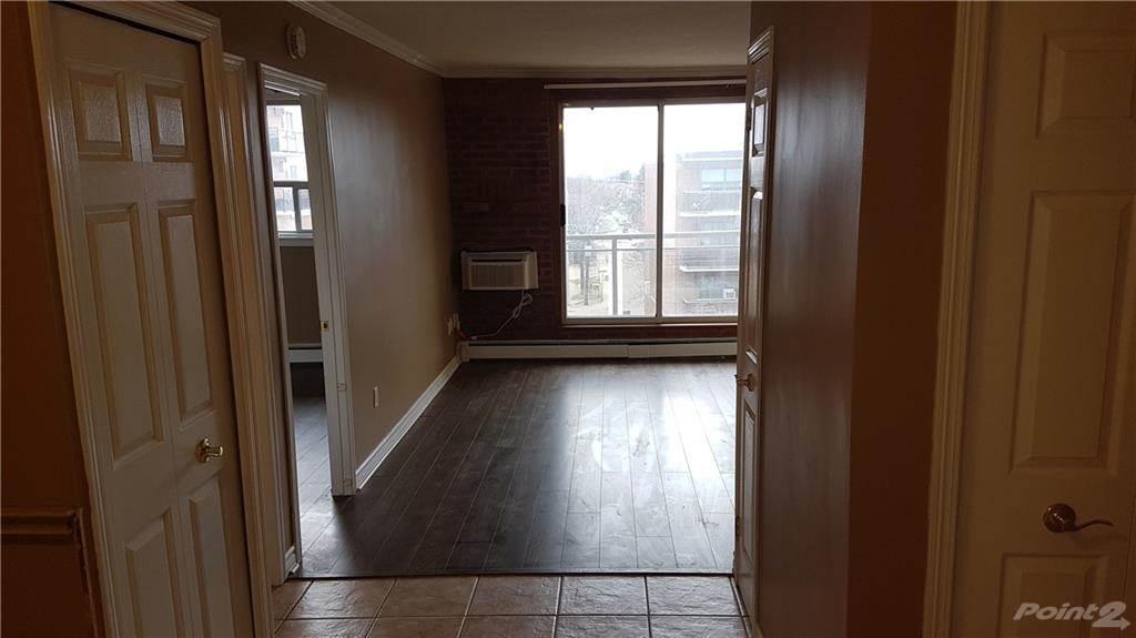 30 Summit Avenue in Hamilton - Condo For Sale : MLS# h4102366 Photo 12
