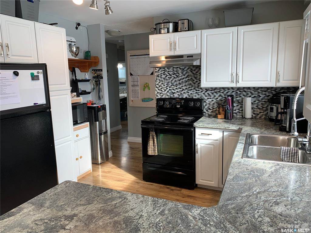 83 Roderick Avenue in Southey - House For Sale : MLS# sk842939 Photo 4