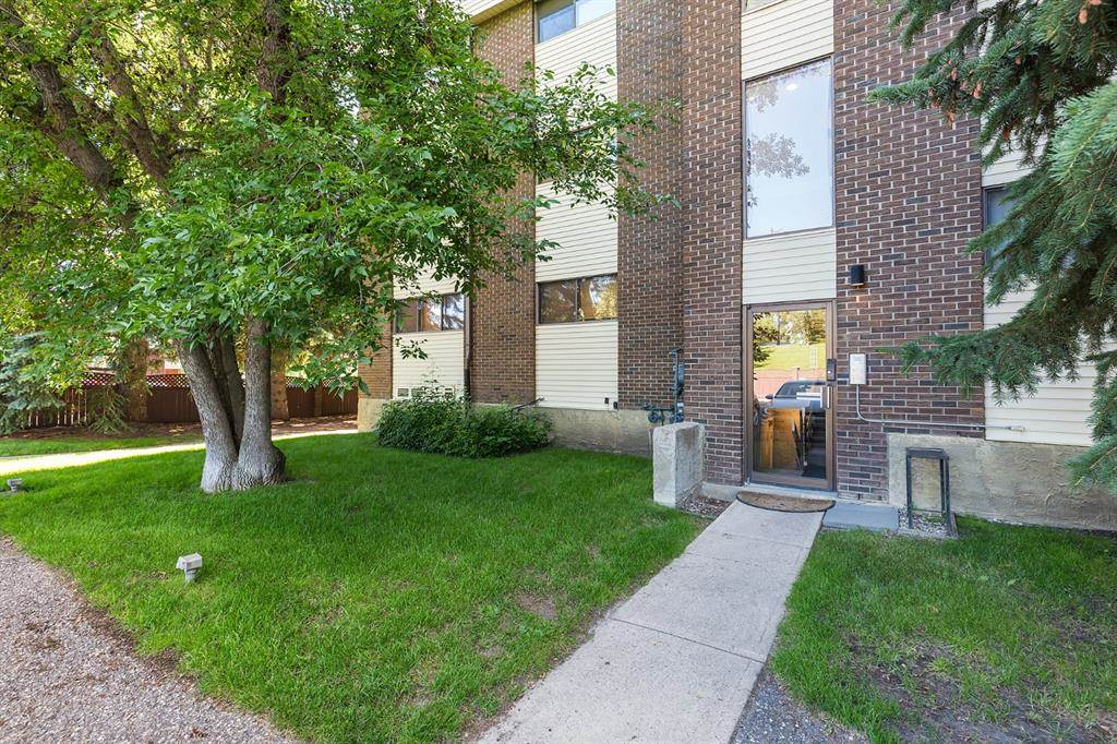 2207 8 Avenue S, Lethbridge, Alberta