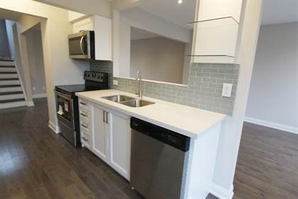 Condo 6780 Formentera Ave, Mississauga, ON