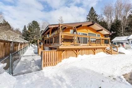 House  in 1533 Gill Rd, Springwater, Ontario, L9X0K4