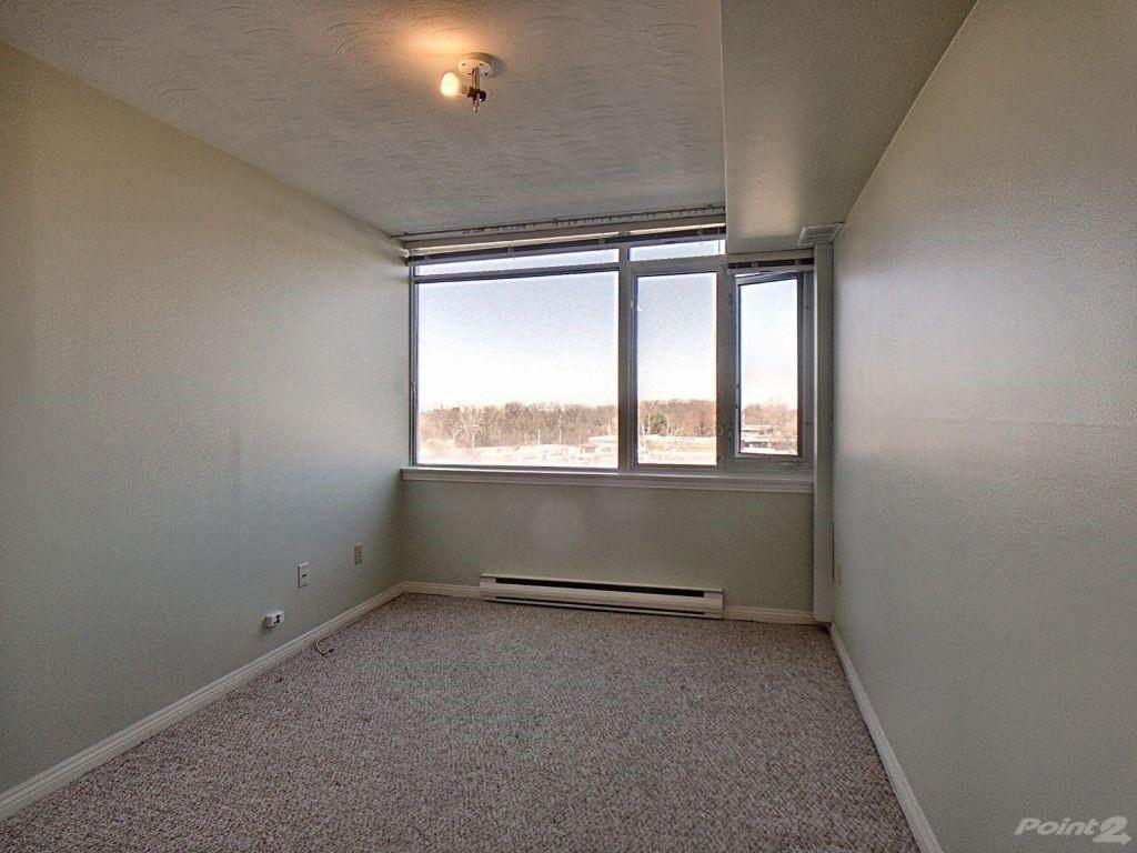 40 Harrisford Street in Hamilton - Condo For Sale : MLS# h4101340 Photo 12