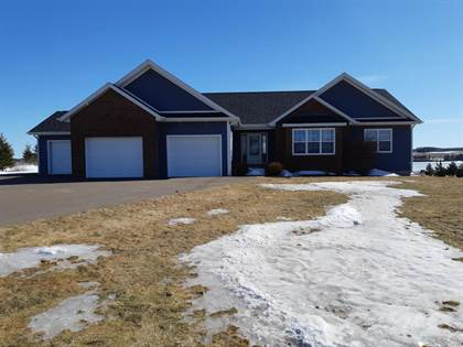 House  in 20 Macneil Avenue, Clyde River, Prince Edward Island, C0A1H0