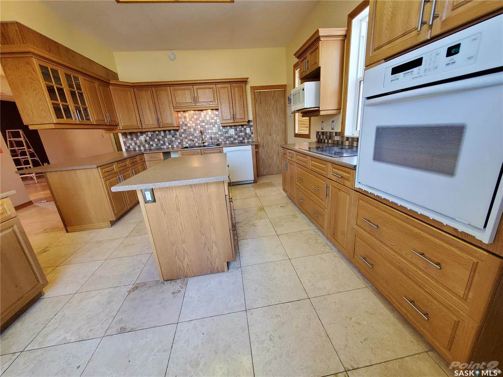 536 Central Avenue N in Swift Current - House For Sale : MLS# sk842770 Photo 4