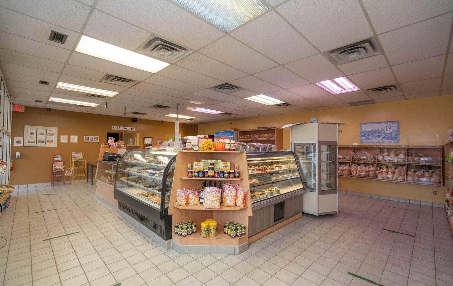 4 Mclaughlin Rd S in Brampton - Commercial For Sale : MLS# w5140894 Photo 8