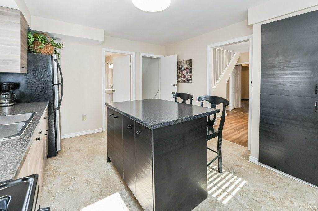 28 Clifford Street in Hamilton - House For Sale : MLS# h4099018 Photo 16