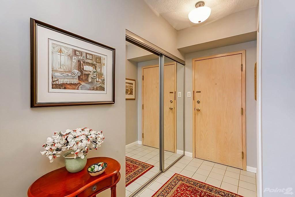 415 Locust Street in Burlington - Condo For Sale : MLS# h4098223 Photo 5