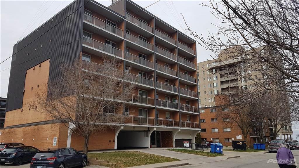 30 Summit Avenue in Hamilton - Condo For Sale : MLS# h4102366 Photo 1