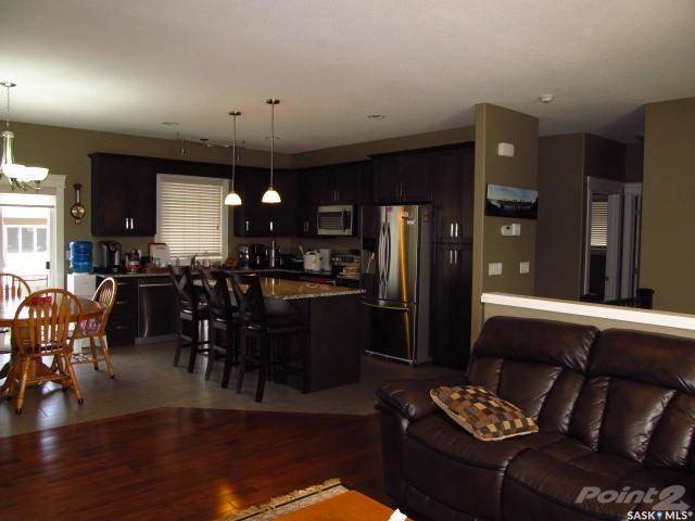 House For Sale 155 Schumacher Bay, Saskatoon, SK (Picture No. 9)
