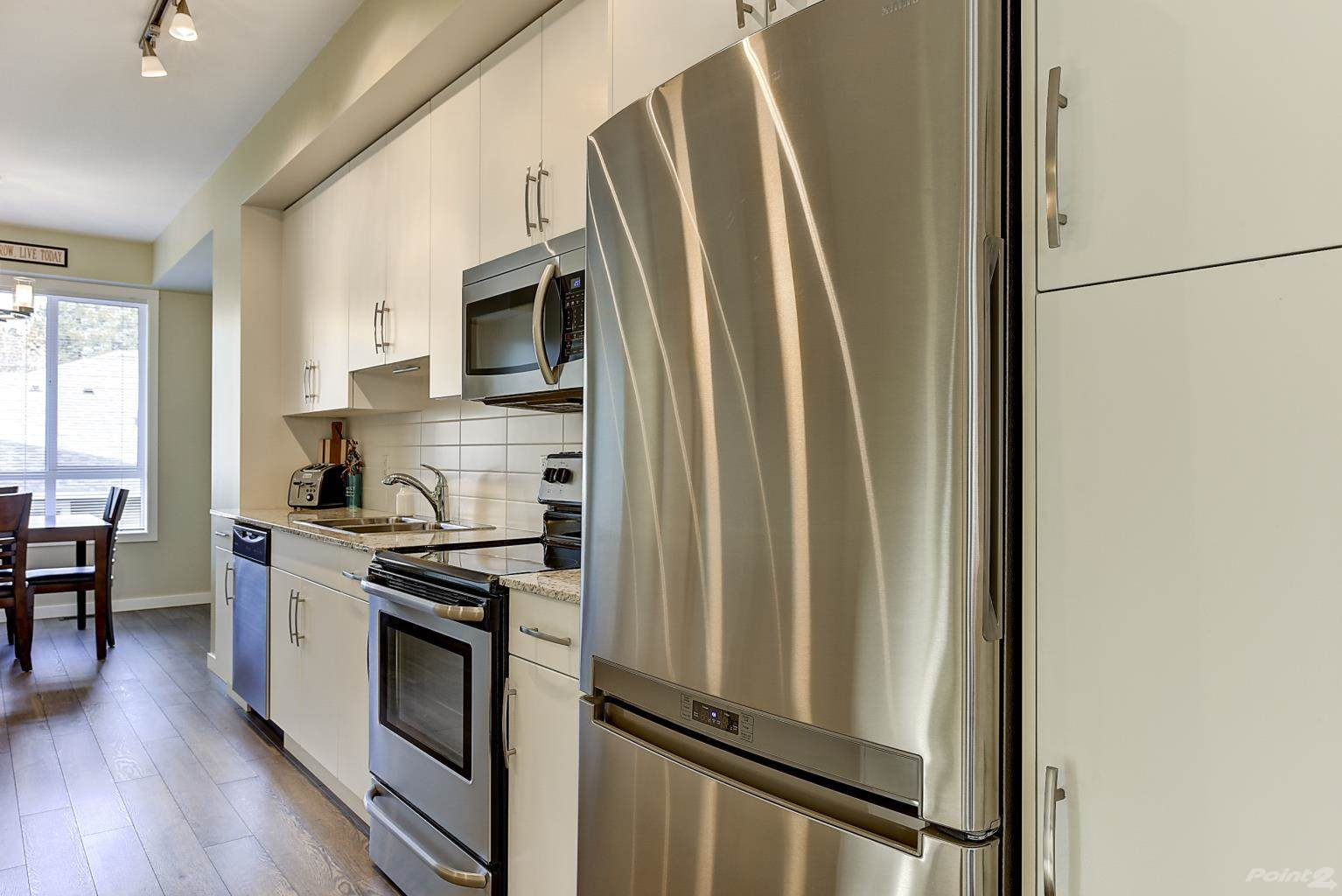 625 Boynton Place in Kelowna - Multifamily For Sale : MLS# 10221871 Photo 8