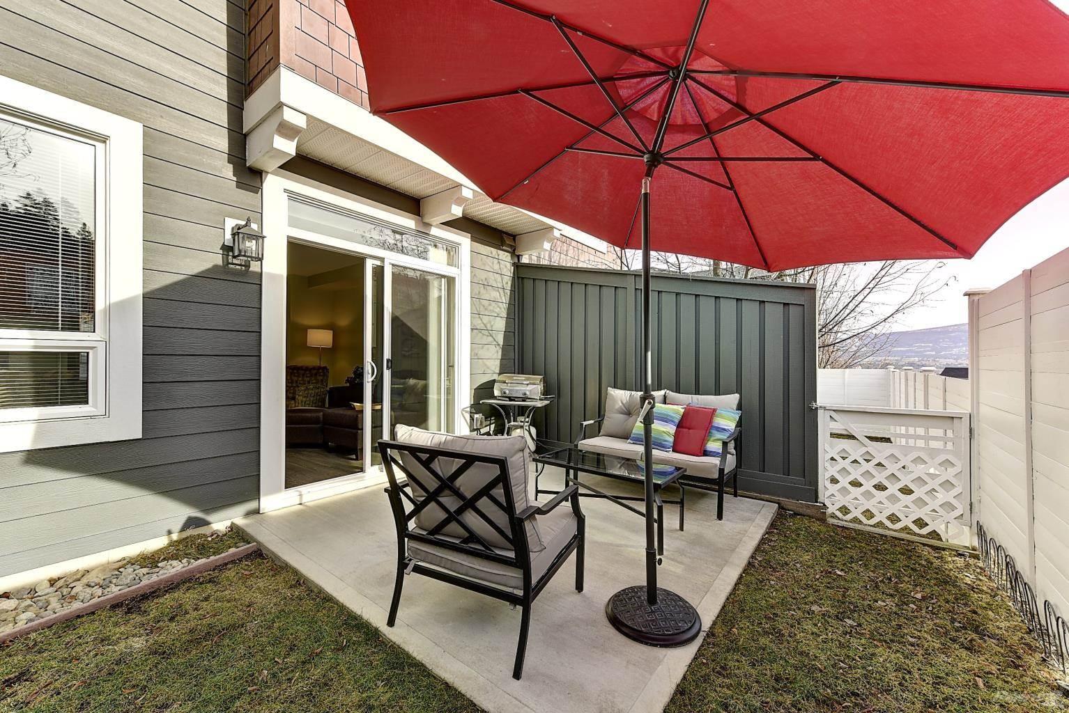 625 Boynton Place in Kelowna - Multifamily For Sale : MLS# 10221871 Photo 1