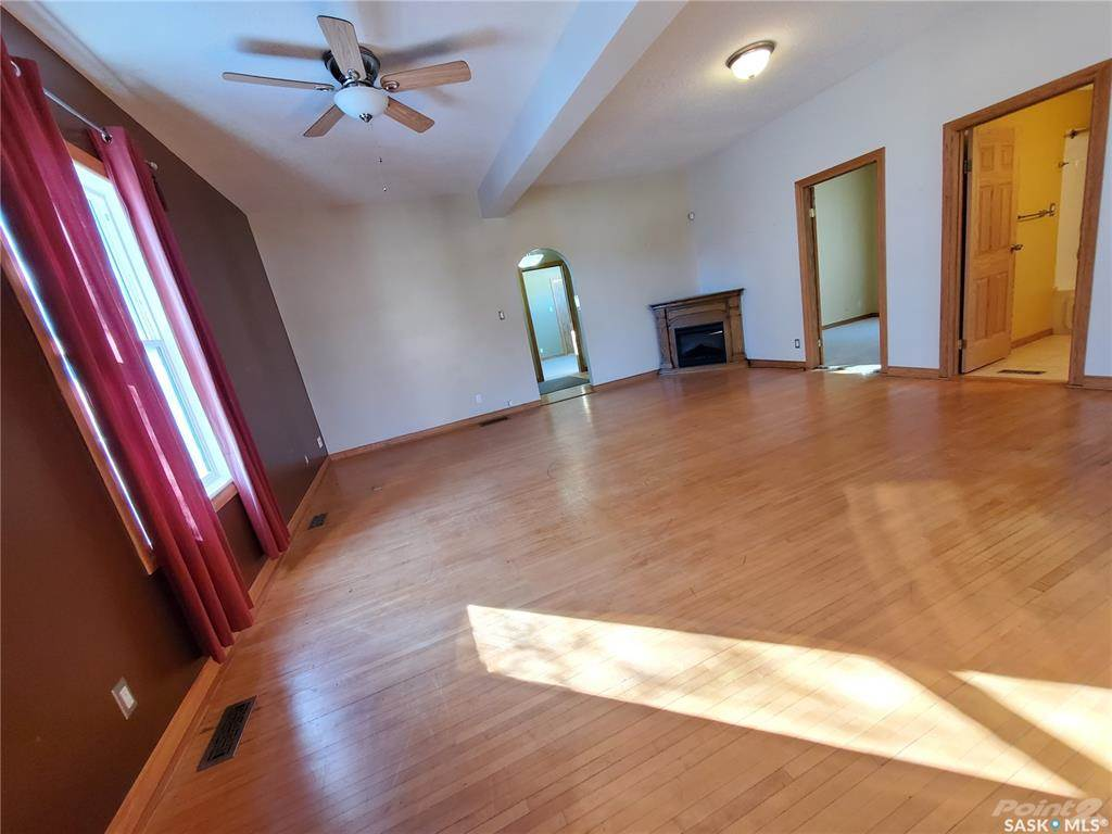 536 Central Avenue N in Swift Current - House For Sale : MLS# sk842770 Photo 10