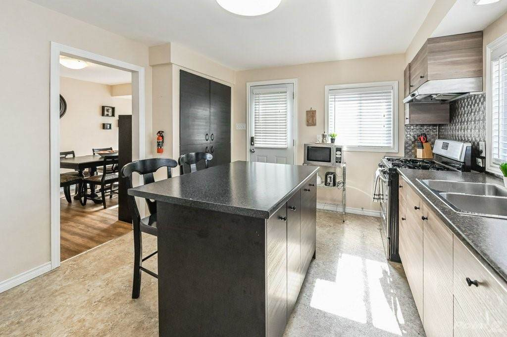 28 Clifford Street in Hamilton - House For Sale : MLS# h4099018 Photo 15