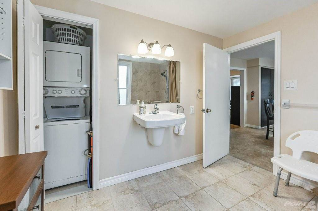 28 Clifford Street in Hamilton - House For Sale : MLS# h4099018 Photo 19