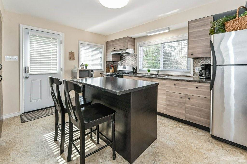 28 Clifford Street in Hamilton - House For Sale : MLS# h4099018 Photo 14