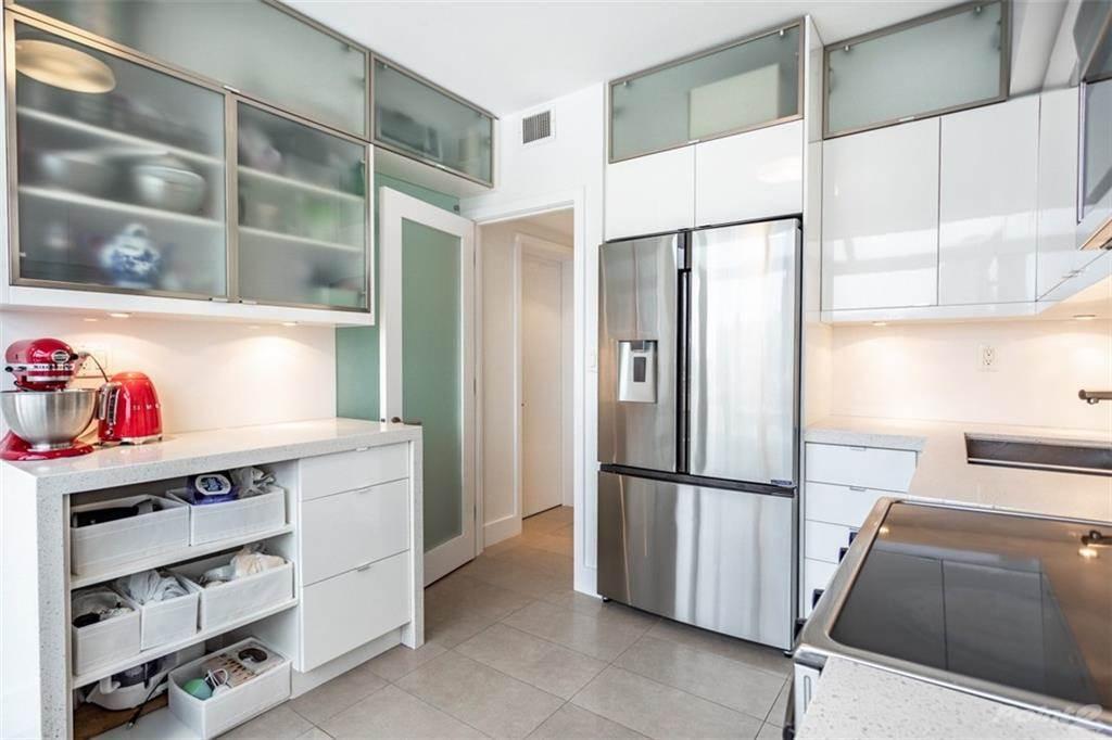 28 Duke Street in Hamilton - Condo For Sale : MLS# h4098565 Photo 8