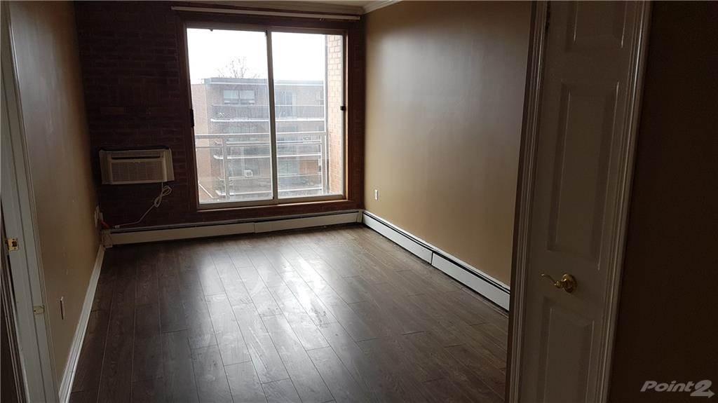 30 Summit Avenue in Hamilton - Condo For Sale : MLS# h4102366 Photo 5