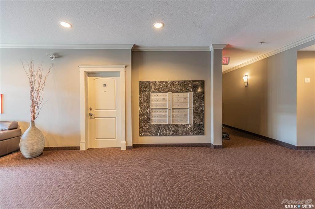 2102 Heseltine Road in Regina - Condo For Sale : MLS# sk842973 Photo 2