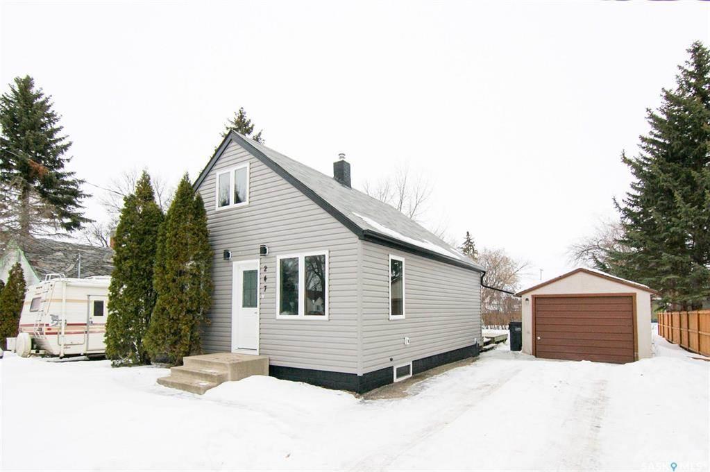247 Maple Avenue in Yorkton - House For Sale : MLS# sk842844 Photo 3