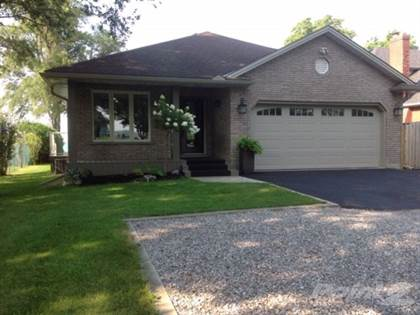 House  in 300 New Lakeshore Road, Port Dover, Ontario, N0A1N3