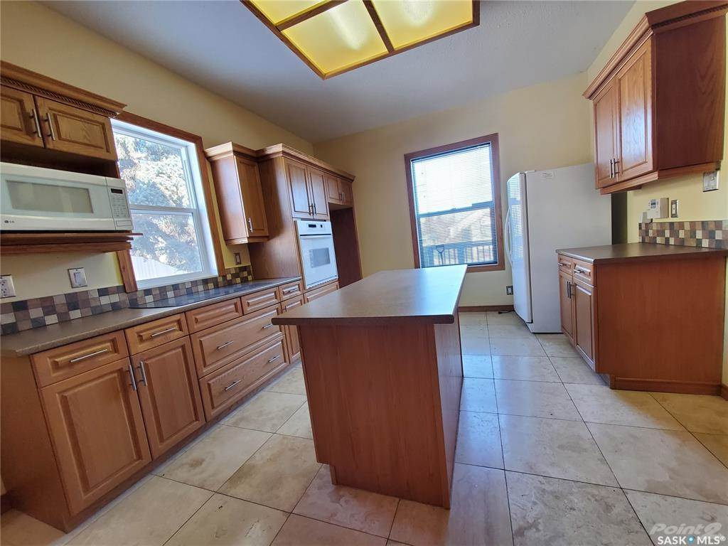 536 Central Avenue N in Swift Current - House For Sale : MLS# sk842770 Photo 3