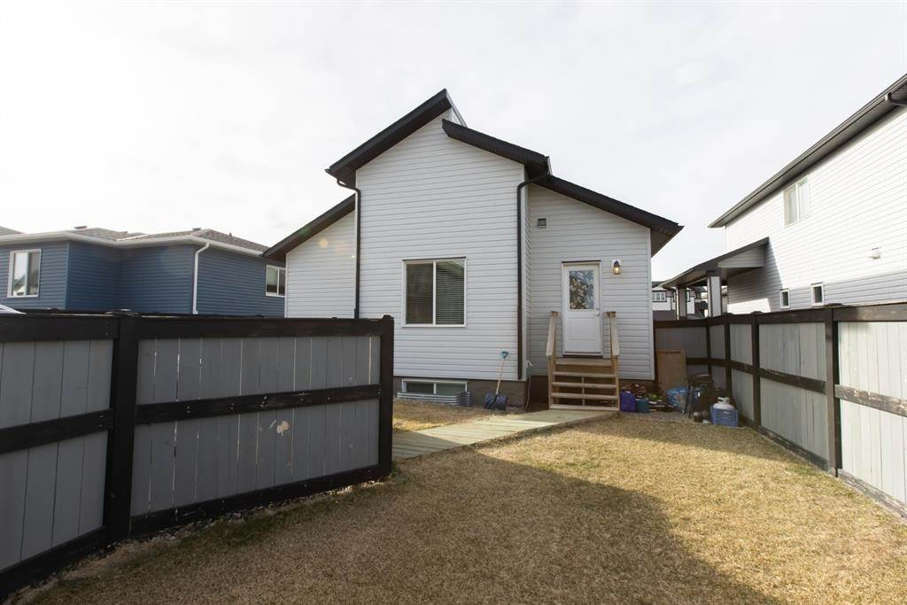 624 Aquitania Boulevard W in Lethbridge - House For Sale : MLS# a1090178 Photo 6