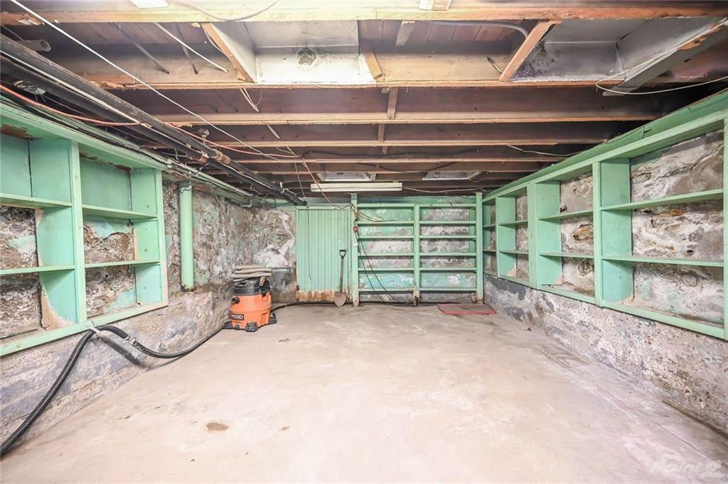 731 Barton Street E in Hamilton - Commercial For Sale : MLS# h4102967 Photo 14